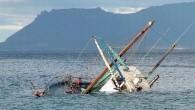 Arhavi'de mezgit avına çıkan Nedim Şinasi Çelenk'e ait, içinde 2 tayfası ile birlikte 3 kişinin bulunduğu balıkçı teknesi alabora oldu. Şiddetli yağış ve fırtına sebebiyle alabora olup batan teknedeki 3...