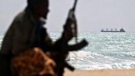 Filipinler'in karasularında Endonezya bandırmalı bir gemi kaçırıldı. Gemide bulunan 10 mürettebatın rehin aldığı bildirildi. DW'nin geçtiği habere göre, gemiyi Ebu Seyyaf isimli radikal bir örgüt tarafından kaçırıldı. Endonezya'nın Doğu Kalimantan'daki...