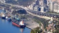 Nuh Çimento'nun 2003 yılında yaptırdığı dört bölümden oluşan limanların kaldırılması için mahkeme kararı çıktı. Nuh Çimento Limanları'nın kaldırılması için açılan dava sonuçlandı. Hereke Çevre Derneği Yönetim Kurulu Başkanı Hayri Altunok...
