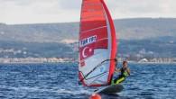 Brezilya'nın Rio de Janerio şehrinde yapılacak 2016 Yaz Olimpiyatları'nda Türkiye'yi temsil etmek için yarışan milli sörfçü Dilara Uralp, Olimpiyat biletini almak için İspanya'da kampa girdi. Rio Olimpiyatları kotası için İMEAK...