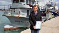 Aydın'ın Didim İlçesi'nde geçen 15 Ocak'ta karaya oturan Yunan Sahil Güvenlik Botu'nu kurtaran Didimli balıkçı Yiğit Olgun'a Sahil Güvenlik Komutanlığı tarafından taktir belgesi gönderildi. Didim'de 15 Ocak 2016 günü saat...