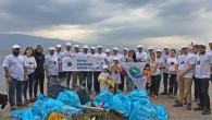 """DP World Yarımca, """"Bizim Dünyamız Bizim Geleceğimiz"""" adını verdiği yeni projesi kapsamında bir çevre temizliği etkinliği düzenledi. DP World Yarımca gönüllüleri, Deniz Temiz Derneği-TURMEPA gönüllü eğitmenleri, SEAGULL-Martı Deniz Temizliği dalgıçları..."""