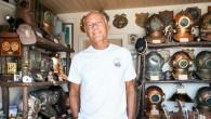 Deniz ve sualtı tutkunu olan iş adamı Jeff Hakko, tarihi dalgıç malzemelerinden oluşan 200 parçalık eşsiz koleksiyonunu Deniz Müzesi'nde sergilenmek üzere Deniz Kuvvetleri Komutanlığı'na bağışladı. Emekli (dalgıç) dz. Kd. Albay...