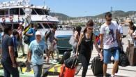 Türkiye'den giden turistler Yunanistan turizminin en önemli gelir kaynaklarından biri haline geldi. Yunanistan Resmi İstatistik Kurumu (Hellenic İstatistical Authority) verilerine göre, geçen yıl bu ülkeyi 1 milyon 153 bin Türk...