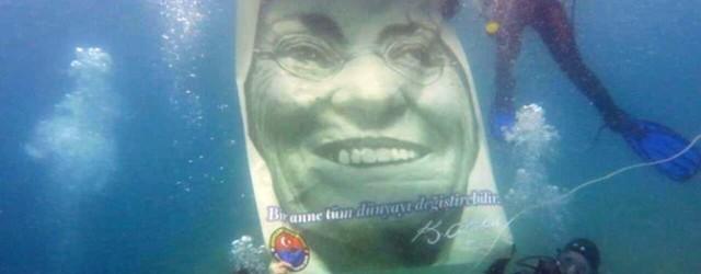 Derinlere Saygı Dalışı Topluluğu, Anneler Günü'nde Zübeyde Hanım için dalış gerçekleştirdi. Dalgıç grubu, Saros Körfezi'nin 25 metre derinliğinde Zübeyde Hanım'ın portresinin bulunduğu bir pankart açtı. Unutulan ya da ihmal edilen...