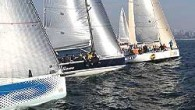 TAYK tarafından Moda Deniz Kulübü işbirliğinde düzenlenen Sonbahar Kupası'nın ilk karşılaşması, düşük hava koşularına rağmen planlanan iki yarışla tamamlandı. 26 teknenin kayıt şamandıra mücadelesinde Kinowa, Güneş Sigorta Mary, Pegasus Hedef...