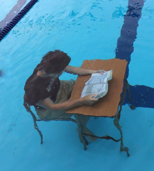chairs-underwater-7-imgur.jpg