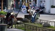 Antalya'nın en kalabalık caddelerinden biri olan Kazım Özalp Caddesi'nde patlama meydana geldi. Patlamada 2 kişi hafif şekilde yaralandı. Olay yerine ambulanslar ve polis ekipleri yönlendirildi. Olayın Antalya'nın Muratpaşa İlçesi'ne bağlı Kapalı Yol olarak bilinen Kazım Özalp Caddesi'nde saat 13:30 sıralarında […]