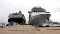 Muğla'nın Bodrum ilçesine gelen devasa yolcu gemileri görenleri şaşırttı. Gemiden inen 7 bin turist ise esnafın yüzünü güldürdü. Turizmin gözbebeği olan Bodrum'a gelen 2 yolcu gemisinden inen turistler esnafların yüzünü güldürdü. Malta bayraklı gemilerin limana yanaşması ile birlikte ilçede hareketlilik […]