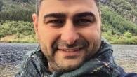 Deniz Karakoc 1979 doğumlu. Yüksek öğrenimini Erzurum Atatürk Üniversitesi Klasik Arkeoloji A.B.D tamamladı. Ardından Muğla Üniversitesinde yüksek lisansa başladı. 2004 yılında ilk olarak İNA'da Kızılburun batığında sualtı arkeolojisinde çalıştı. 2009 yılında SLR Nikon makine ile sualtında fotoğraf çekmeye başladı.
