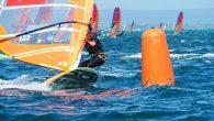Avustralya'nın Sorrento kasabasında düzenlenen 2020 RS:X Rüzgar Sörfü Dünya Şampiyonası tamamlandı. 24 Ülkeden 46 sporcunun mücadele ettiği Kadınlar sınıfında Olimpik Milli Sporcumuz Dilara Uralp (Çeşmealtı Rüzgar Sörfü ve Yelken Kulübü) yarışları 32.sırada tamamlarken 23 ülkeden 70 sporcunun yarıştığı Erkekler sınıfında […]