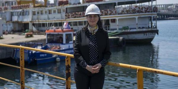 İstanbul'un simge gemilerinden olmasına rağmen 10 yıl kullanılmayan ve parçalanmak üzereyken kurtarılan Paşabahçe vapurunun yenilenmesi için adım atıldı. Şehir Hatları İşletmesi'nin geri aldığı Paşabahçe 1 yıl sürecek yenilenme çalışmalarının ilk aşaması için Haliç Tersanesi'nde kuru havuza alındı. Üst güvertesinde küçük […]
